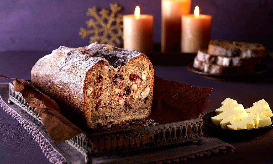 Сладък ароматен хляб с ядки и плодове